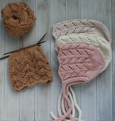 Keep knitting my lovely bonnets 💢💢💢 Easy Baby Sewing Patterns, Baby Clothes Patterns, Easy Knitting Patterns, Crochet Patterns, Knitted Baby Clothes, Baby Hats Knitting, Knitted Hats, Baby Bonnet Pattern Free, Knit Beanie Pattern