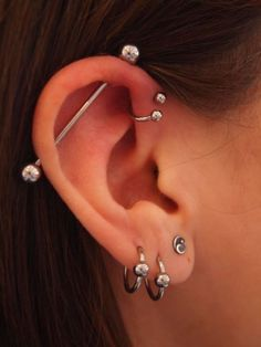 Industrial, forward helix and three standard lobe piercings. This is basically what I want done, just not the forward helix Piercing Anti Helix, Triple Forward Helix Piercing, Helix Piercings, Ear Peircings, Tattoo Und Piercing, Body Piercings, Bar Ear Piercing, Forward Helix Earrings, Double Helix