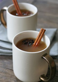 Mulled cider with a kick via @PureWow