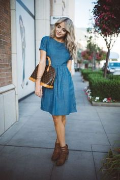 Casual Outfits That Make You Look Thinner Casual Wear Hourglass Figure Cute Dresses, Casual Dresses, Casual Outfits, Cute Outfits, Denim Dresses, Chambray Dress, Jeans Dress, Dress Clothes, Work Outfits