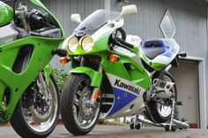 Kawasaki zx 7r race bike old but gold and a chris walker rep 1992 zx7 r classic beast fandeluxe Image collections