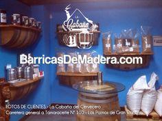 Esta mañana publicamos una nueva foto que nuestro amigo Carmelo nos envía de la decoración que ha hecho con las #barricas en su tienda de Las Palmas de Gran Canaria, donde vende productos para elaborar tu propia cerveza.   Podéis consultar su catálogo online en www.lacabanadelcervecero.com  ¡Muchas gracias por compartir la foto con nosotros!   #felizlunes #decoracion #reciclaje #cerveza #cerveceros #vino #laspalmas — en La cabaña del cervecero.