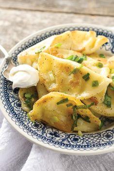 Recipe: Grandma Gretzky's Great Perogies - CBC Life Zucchini Dinner Recipes, Cooking Zucchini, Recipe Zucchini, Healthy Zucchini, Recipes Dinner, Dinner Ideas, Polish Recipes, Polish Food, Kitchens