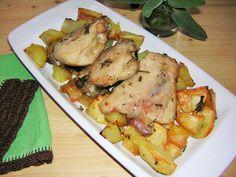 Le sovracosce di pollo alle erbe aromatiche al forno con patate sono un secondo piatto saporito ed economico ideale nella cucina di tutti i giorni.