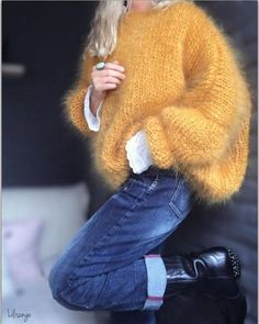 Surround yourself with beauty… - Pulli Stricken Mode Outfits, Winter Outfits, Fashion Outfits, Knit Fashion, Sweater Fashion, Pullover Mode, Insta Look, Mohair Sweater, Sweater Weather