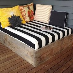 DIY Daybed For Outdoors