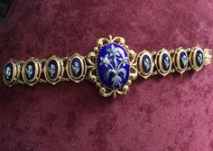 Bracelet Box, Jewelry Bracelets, Antique Jewellery, Sapphire, Brooch, Antiques, Rings, Ancient Jewelry, Antiquities