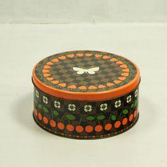 http://www.vinto.nl/winkel/alle-producten/rond-retro-blik/