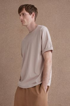 COS | Relaxed proportions.