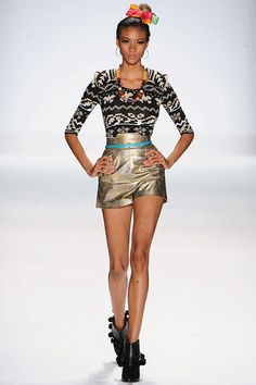 One of Mondo Guerra's styles at Fashion Week (: