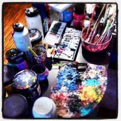 A Beginners Guide To Using Acrylic Paint