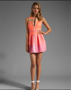 This dress is TO DIE.