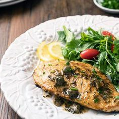 Lemon Chicken Piccata is a budget-friendly take on an Italian classic! Incredibly easy and low carb, this recipe is one youll want to make again and again! Lemon Chicken Parmesan, Chicken Piccata Easy, Creamy Lemon Chicken, Quick Vegetarian Meals, Diabetic Meals, Diabetic Friendly, Low Carb Recipes, Healthy Recipes, Chicken Recipes