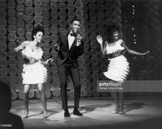 Soul singer Marvin Gaye performs onstage on a TV show with back up dancers in circa 1964.