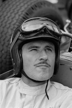 British racing driver Graham Hill, was nicknamed as Mr Monaco because he won 5 of his 14 Grand Prix there Vintage Sports Cars, Vintage Racing, Vintage Cars, Racing Helmets, F1 Racing, Damon Hill, Continental, F1 Drivers, Classic Motors