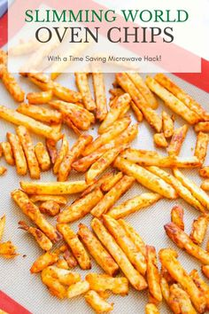 Here's how to homemade chips Slimming World friendly, and in the oven or air fryer chips. The same applies to chunky chips or skinny fries. I'll also show you my quick microwave hack to save time. #synfree #sw Slimming World Beef Stew, Slimming World Recipes Syn Free, Easy Chips Recipes, Snacks Recipes, Fun Recipes, Dinner Recipes, Dirty Fries Recipe, How To Make Fries, Homemade Fries