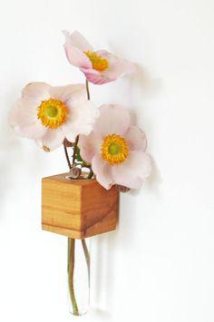 Vasen - *2* Kühlschrankmagnet - Apfelholz - ein Designerstück von kerfra bei DaWanda