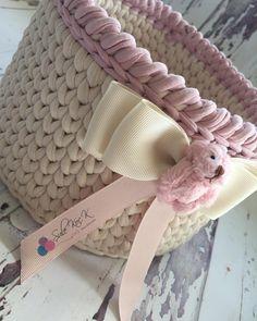 Crochet Bowl, Crochet Basket Pattern, Knit Basket, Crochet Baby Hats, Knit Crochet, Crochet Patterns, Crochet Storage, Crochet Decoration, T Shirt Yarn