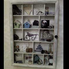 I want something like this for all my cute little things that don't have a nice home Cabinet Of Curiosities, Cute Little Things, Making Memories, Curiosity, Rock Art, Nice, How To Make, Crafts, Home Decor