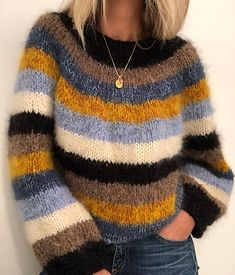 Ravelry: Sandra sweater pattern by Siv Kristin Olsen If you need yarn to this sweater, I sell knitting kit. Warm Sweaters, Casual Sweaters, Cable Knit Sweaters, Sweaters For Women, Knitting Blogs, Sweater Knitting Patterns, Raglan Pullover, Mohair Sweater, Knit Fashion