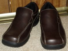 NEW Boys Brown Leather Loafers Skechers Size 2 Medium Slip On