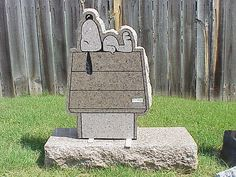 Snoopy tombstone