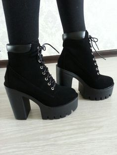 Platform Ankle Boots, High Heel Boots, Heeled Boots, Fashion Heels, Fashion Boots, Sneakers Fashion, Worker Boots, Goth Shoes, Kawaii Shoes