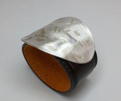 Lederarmband mit Muster braun mattschliff S108 G5 von Atelier Regina  auf DaWanda.com