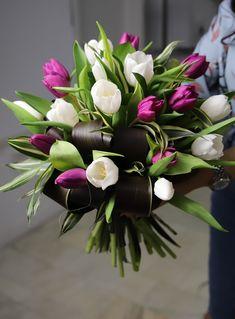 #tulips #bouquet #white #purple #flowers #inspiration Purple Flowers, Bouquet, Plants, Garden, Inspiration, Tulip, Garten, Biblical Inspiration, Bunch Of Flowers