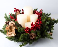Advent Wreath with the Meaning of the Colors of its Candles, Cone Christmas Trees, Christmas Art, Beautiful Christmas, Christmas Holidays, Christmas Wreaths, Xmas, Christmas Candle Holders, Christmas Candles, Advent Candles