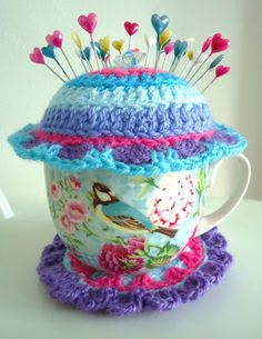 I have a cracked tea-cup that would be perfect for this treatment!