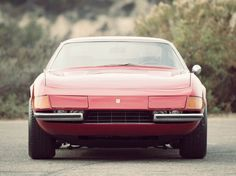 Ferrari 365 Built between 1968 and the 365 was fitted with a DOHC engine with 6 Weber carburettors, a manual rear-mounted transaxle, upper and lower wishbone coil-spring independent suspension and hydraulic disc brakes.