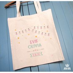Tote bag EVJF Guirlande étoilée , cadeau idéal pour la future mariée et ses amies présentes pour l'enterrement de vie de jeune fille (EVJF)... Ce tote bag personnalisé est un souvenir original à conserver.
