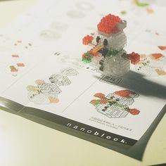 "6 mentions J'aime, 1 commentaires - 雪 (@ruixueyuki) sur Instagram: ""你好 小雪人⛄ #awaiting #nanoblock #snowman #⛄ #❄️"""