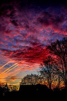 Cold morning Sunrise, Wyoming, Michigan, USA by Beautiful Sunset, Beautiful World, Beautiful Places, All Nature, Amazing Nature, Beauty Dish, Morning Sunrise, Nature Pictures, Belle Photo
