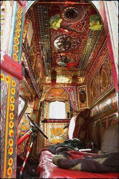 Caravan Gypsy Vardo Wagon: The interior of a wagon. So much colour ans so many patterns Bohemian Gypsy, Gypsy Style, Bohemian Decor, Gypsy Decor, Bohemian Style, Bohemian Interior, American Graffiti, Truck Interior, Interior Design