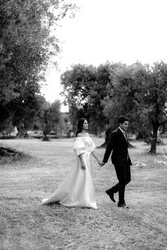 Elevated Simplicity in Puglia - The Lane Cactus Wedding, Wedding Flowers, Mediterranean Wedding, Bride And Groom Gifts, Italy Wedding, Wedding Reception Decorations, Wedding Portraits, Luxury Wedding, Bridal Style