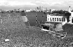 The Rolling Stones performing at Los Angeles Memorial Coliseum, 1981 Classic Rock Artists, Lets Go Crazy, Rolling Stones, Paris Skyline, Dolores Park, How To Memorize Things, Prince, Travel, Dreams