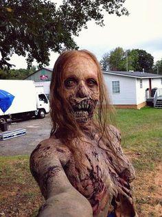Even zombies take selfies lol.