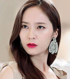 Krystal Jessica & Krystal, Krystal Jung, Jessica Jung, Asian Celebrities, Beautiful Celebrities, Bride Of The Water God, Sulli, Ice Princess, Korea Fashion