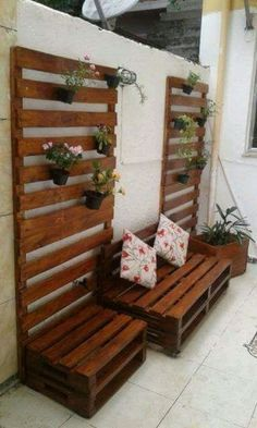 Easy Woodworking Projects, Pallet Projects, Woodworking Plans, Art Projects, House Plants Decor, Plant Decor, Garden Wall Designs, Garden Design, Diy Pallet Furniture