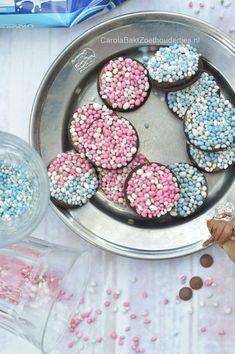 Oreo geboortekoekjes met muisjes Trakteren bij kraamvisite. Oud hollandse muisjes, roze of blauw.