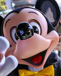 DISNEY FANS UNITE: has members. We are here to celebrate and honor anything Disney. Disney Dream, Cute Disney, Disney Magic, Disney Art, Disney Pixar, Walt Disney, Orlando Disney, Disney Characters, Mickey Mouse And Friends