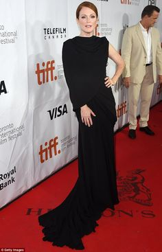 Julianne Moore looked sensational at the Maps To The Stars premiere at #TIFF14 http://dailym.ai/1umf4Ym
