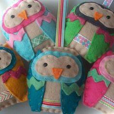 BULK BUY six handmade felt OWL ornaments por paperandstringBULK