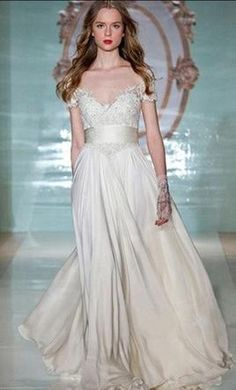 Reem Acra Lovely Girl 5105 10: buy this dress for a fraction of the salon price on PreOwnedWeddingDresses.com