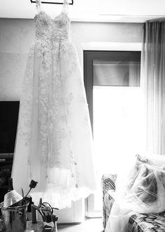 El vestido de la novia. Boda en el castillo organizada por Detallerie. The bride gown. Wedding castle by Detallerie wedding planners.