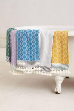 Bring home bright, tassled Turkish towels from Anthropologie #TheWanderlusteur