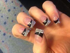 black nails with glitter tips Glitter Tip Nails, Black Nails With Glitter, Black Acrylic Nails, Acrylic Nail Tips, Silver Nails, Fun Nails, Glitter Bomb, Purple Glitter, Silver Glitter