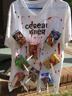 Last Minute Costumes for Halloween : DIY Cereal Killer Halloween Costume Diy Halloween Outfit, Cereal Killer Halloween Costume, Disfarces Halloween, Super Easy Halloween Costumes, Cute Halloween Costumes, Halloween Decorations, Original Halloween Costumes, Game Costumes, Funny Diy Costumes